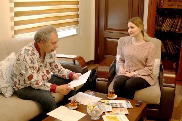 «Я рад, что мой Баку цветёт и процветает» - Поэт Петр Давыдов приехал на Родину спустя 28 лет - ВИДЕО