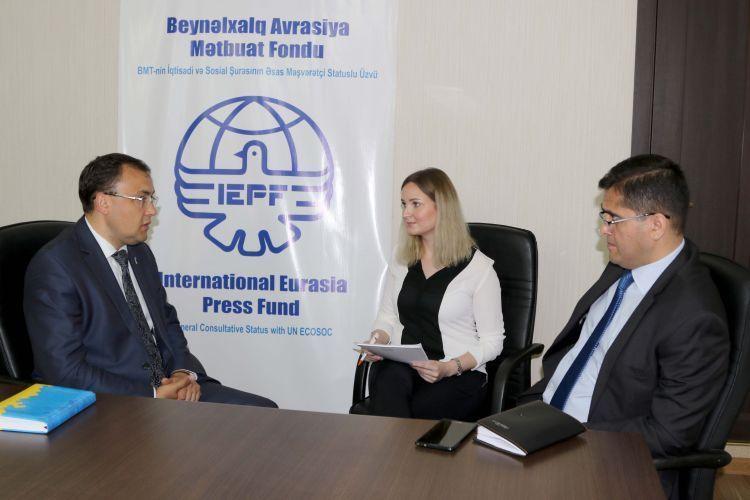 Ukrayna Dışişleri Bakan Yardımcısı Azerbaycan-Ukrayna ilişkilerinin önündeki temel görevler hakkında konuştu - ÖZEL