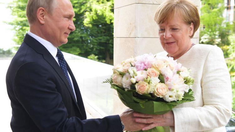 Почему галантность Путина превратилась в Германии в «оскорбление»g