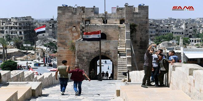 قلعة حلب تفتح أبوابها وآلاف الزوار يستعيدون ذكرياتهم فيها - الفيديو