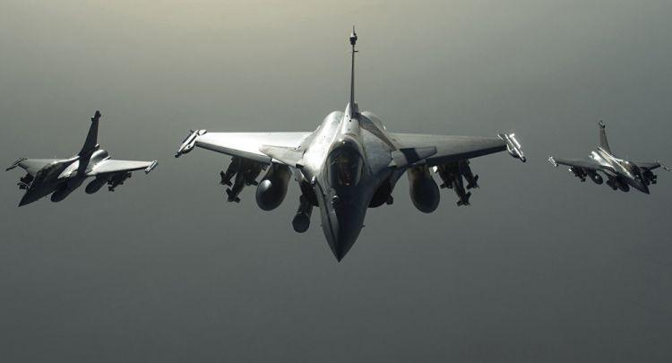 الطيران الأمريكي يقصف موقعا للجيش السوري في شرق البلاد