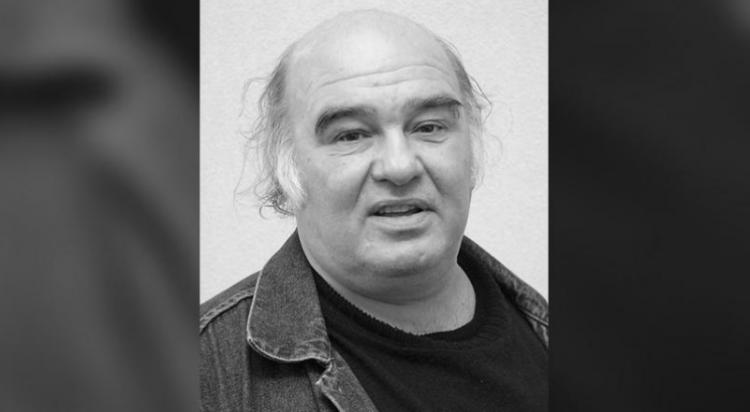 ru/news/culture/292734-aktyor-iz-ulici-razbitix-fonarey-nayden-myortvim-v-peterburqe