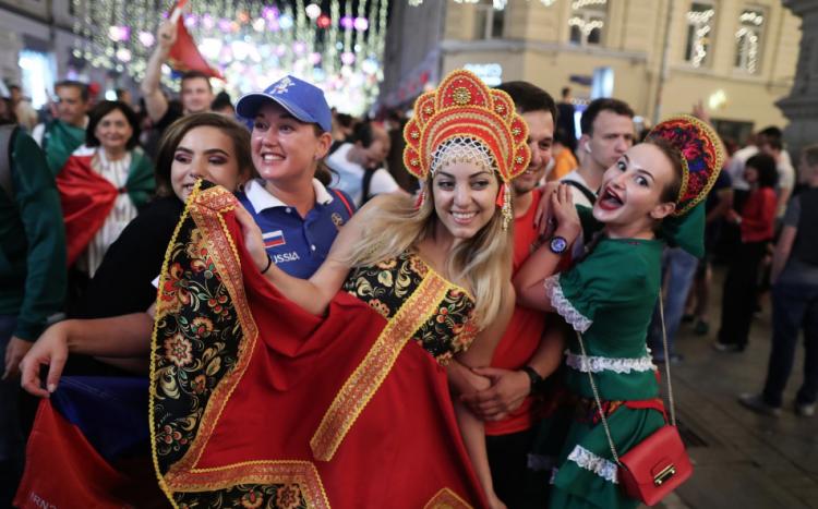 ru/news/sport/292808-atmosfera-karnavala-the-guardian-ocenila-orqanizaciyu-tchm-2018