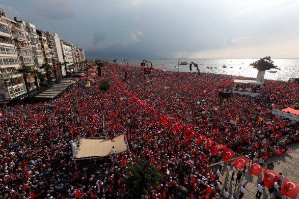 На митинг против Эрдогана вышло 2,5 миллиона человек