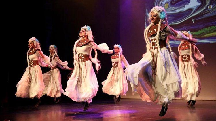 tr/news/culture/293629-yeeden-dunyanin-ilk-baris-antlasmasi-kades-dans-gosterisi