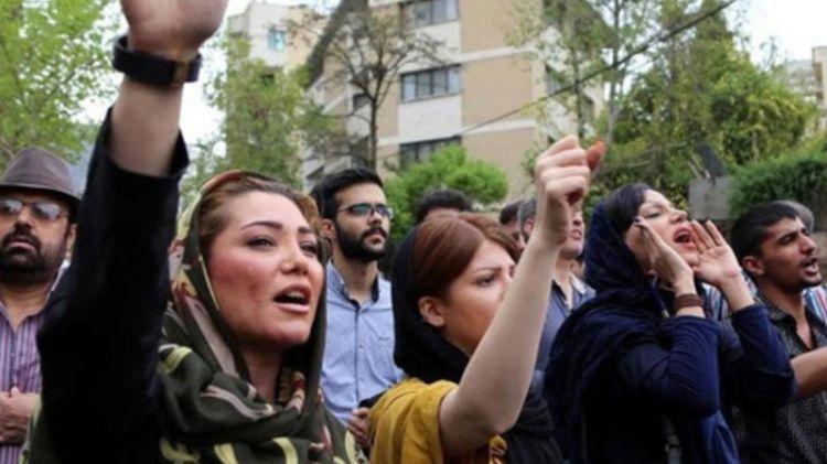 Tehranda Azərbaycan qiyamı - Küçə və prospektlərdə…
