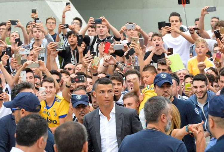 en/news/sport/301023-players-of-my-age-go-to-qatar-or-china-says-cristiano-ronaldo-at-juventus-unveiling
