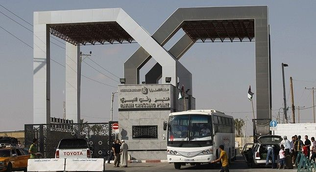 Israel cuts gas, fuel to Gaza as Egypt shuts Rafah gate