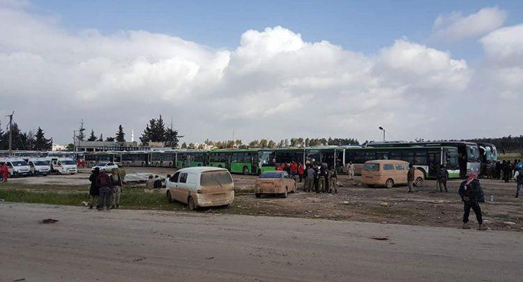 خروج أكثر من 7 آلاف شخص من بلدتي كفريا والفوعة في محافظة إدلب