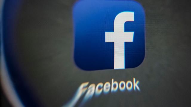 en/news/sience/302301-facebook-suspends-analytics-firm-to-investigate-data-use