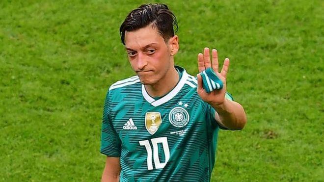 Mesut Özil'in Milli Takımı bırakma kararı İngiliz basınında: 'Almanya'ya sırtını döndü'