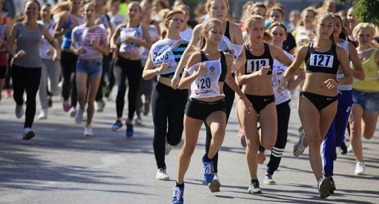 tr/news/sport/320038-moskovada-duzenlenen-ulusal-kosu-15-binden-fazla-kisiyi-bir-araya-getirdi