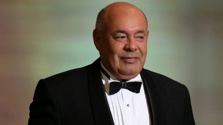 ru/news/culture/321478-polad-byulbyuloqlu-vrutchil-potchetniy-diplom-prezidenta-azerbaydjana-mixailu-shvidkomu