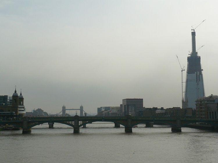 Эксперты: Лондон может уйти под воду