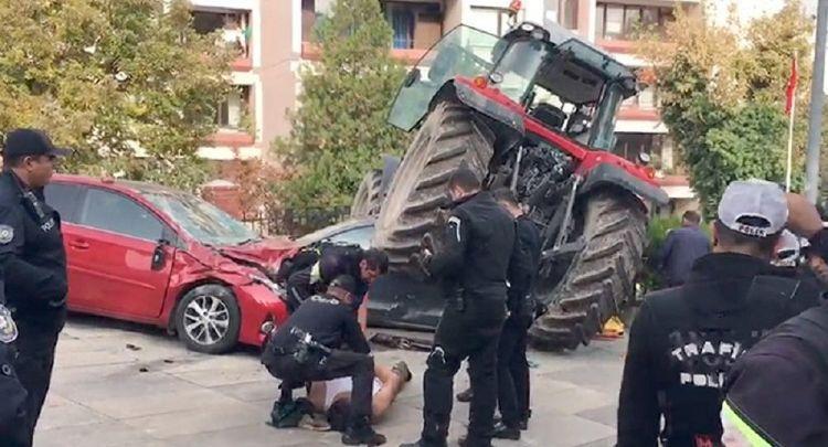 TBMM önüne kadar gelen traktör durmadı - Polis, çiftçiyi bacağından vurdu