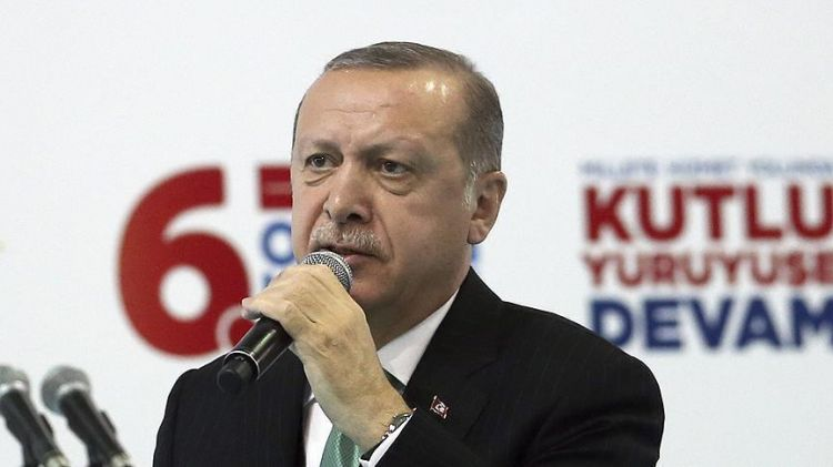 Ərdoğan Azərbaycan mahnısı ifa etdi - VİDEO