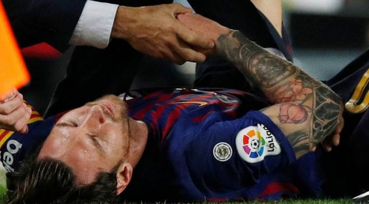 en/news/sport/329424-lionel-messi-ruled-out-for-three-weeks-with-fractured-arm
