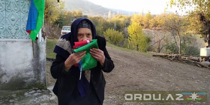 """Qərbdəki 83 yaşlı bayraq sevdalısı - """"Arzum torpaqlarımızın müharibə yolu ilə azad edilməsidir"""""""