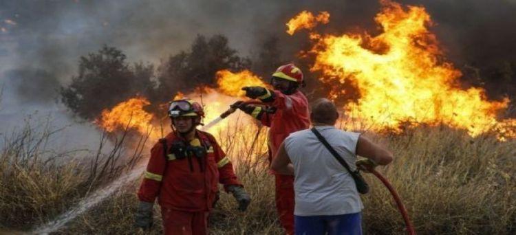 مصرع 25 شخصًا على الأقل جراء الحرائق المستعرة في كاليفورنيا