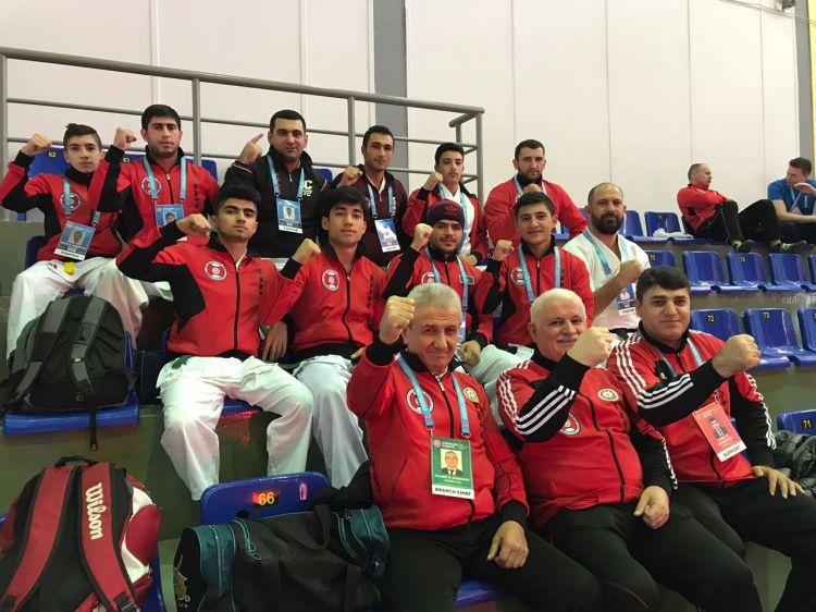 ru/news/sport/335373-azerbaydjanskie-karatisti-stali-tchempionami-mira
