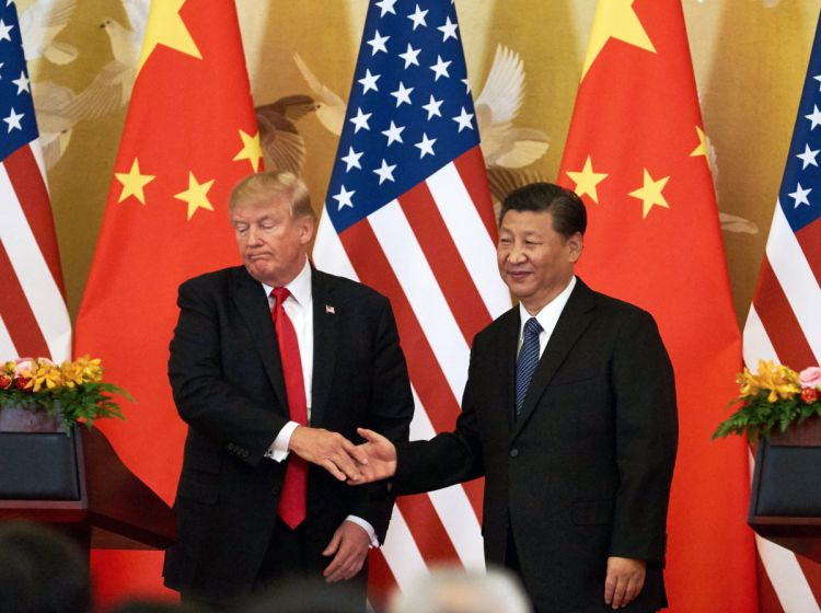 Глава минфина Франции: Миру угрожает холодная война между КНР и США