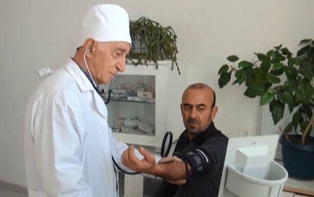 """""""Xəstəyə öz qanımı verib çiynimdə rayona daşımışam"""""""