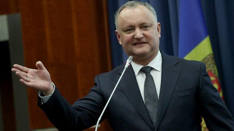 Додона отстранили от исполнения обязанностей президента Молдавии