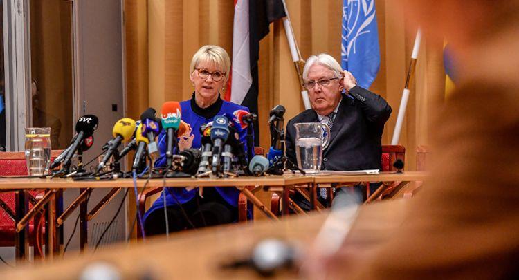 المبعوث الأممي يسلم وفدي مشاورات السويد ورقة بشأن الإطار السياسي في اليمن