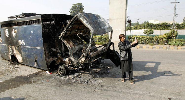 مقتل 6 من قوات الأمن الباكستاني وإصابة 14 آخرين في هجوم على قافلة