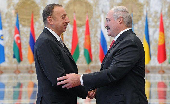 Əliyevə dedim ki, təcili 900 milyon lazımdır... - Lukaşenko