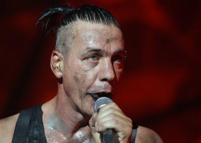 ru/news/culture/343715-solist-rammstein-till-lindemann-v-baku