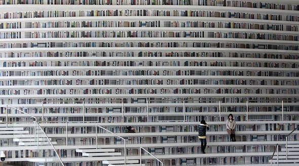 Bir ildə üç milyon insanın ziyarət etdiyi kitabxana - FOTOLAR