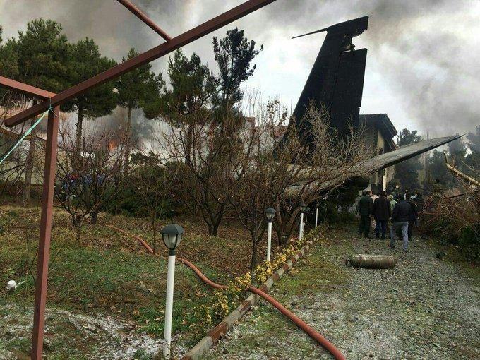 Boeing разбился в окрестностях Тегерана, погибли 10 человек