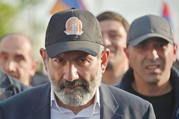 Paşinyan Qarabağla bağlı xalqa yalan dedi - Danielyan