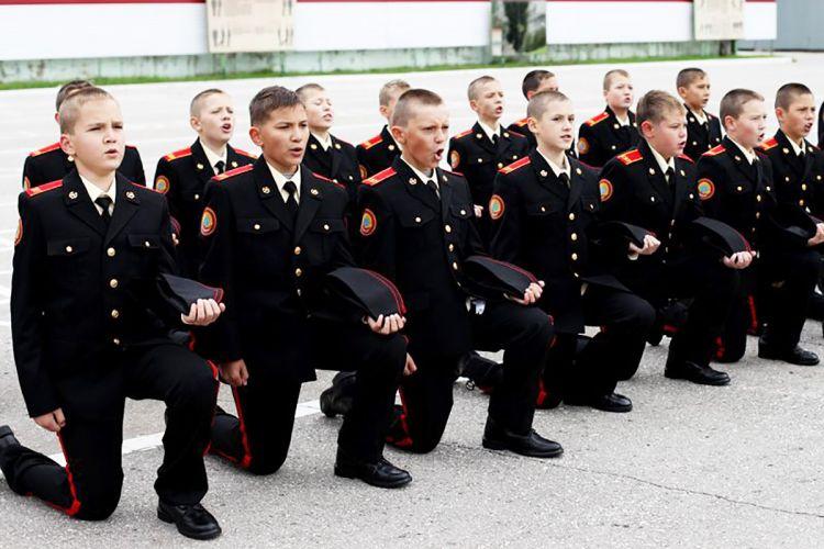 Черви в курсантах суворовского училища