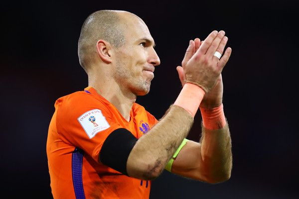 'It has been long time ago Liverpool won title, that's the one they're dreaming of' - Robben hails Klopp