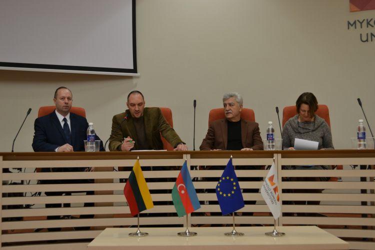 В Литве обвинили Армению в убийстве жителей Ходжалы