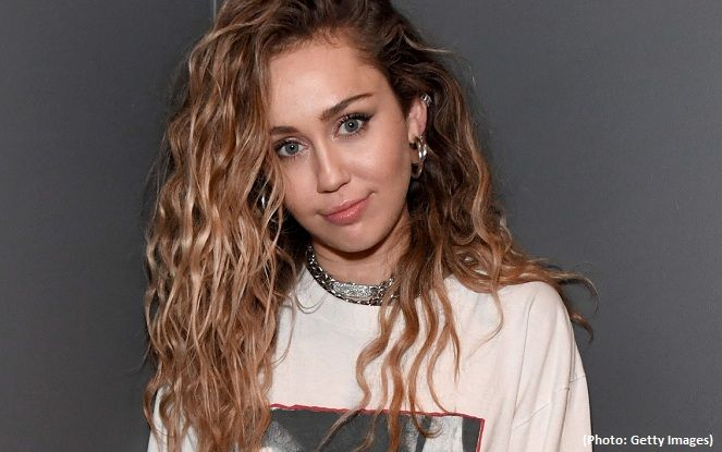 Miley Cyrus said her first kiss was with a girl | Eurasia Diary