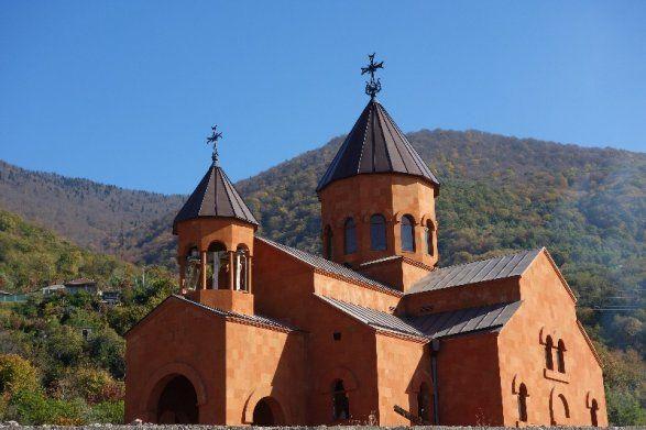 Зурабишвили потребовала от армянских церквей вернуться в Грузию