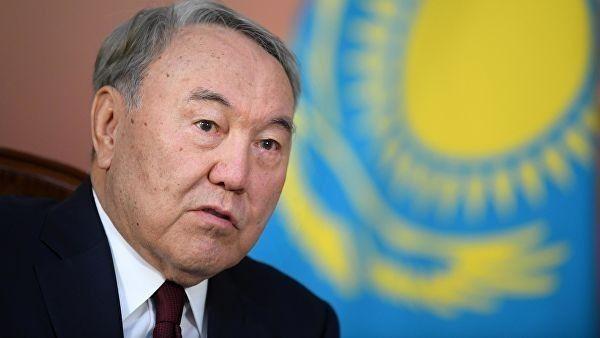 نظرباييف  تعب واستقال