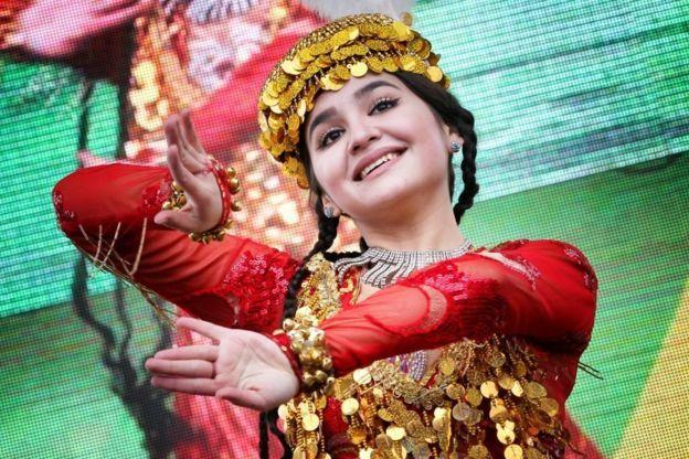 نوروز: العيد الذي يجمع أديان وقوميات وشعوب مختلفة حول  العالم