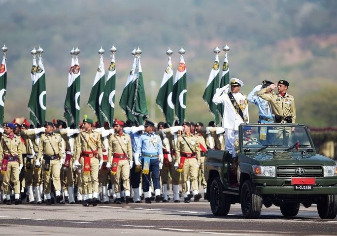 Azerbaijani Military contingent attended Pakistan Day Parade along with Defence Minister Colonel General Zakir Hasanov - VIDEO