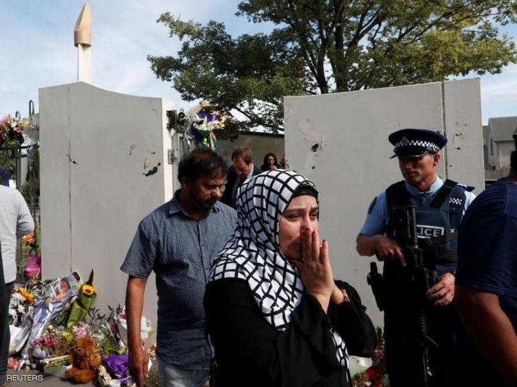 """عودة المصلين لـ""""مسجد النور"""" في نيوزيلندا.. ومعهم أمير أردني"""