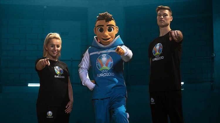 EURO 2020 mascot revealed - Meet Skillzy - VIDEOg