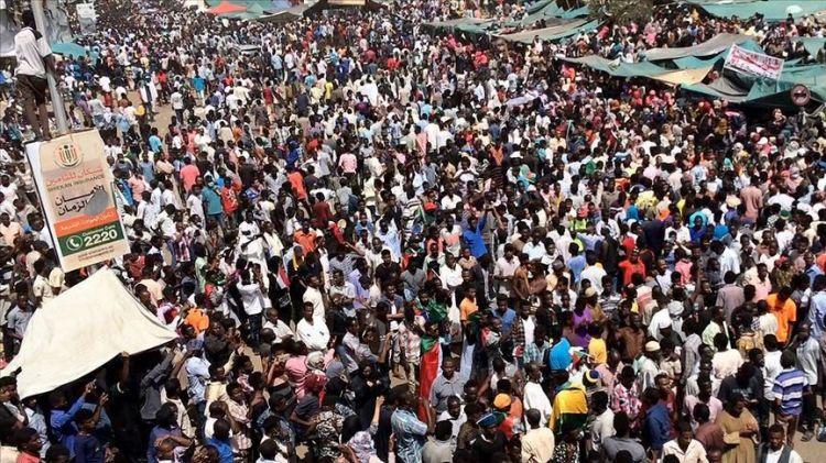 السودان.. مؤشرات مبكرة لمواجهة محتملة بين أطراف المجلس العسكري