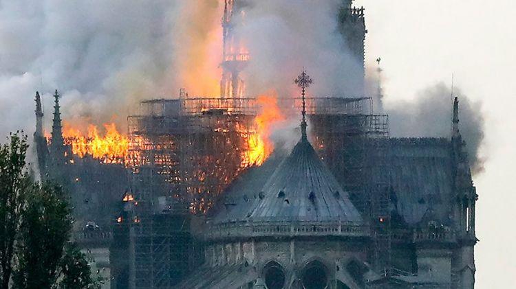 Миллиардер Пино выделит на реставрацию собора Парижской Богоматери 100 млн. евро