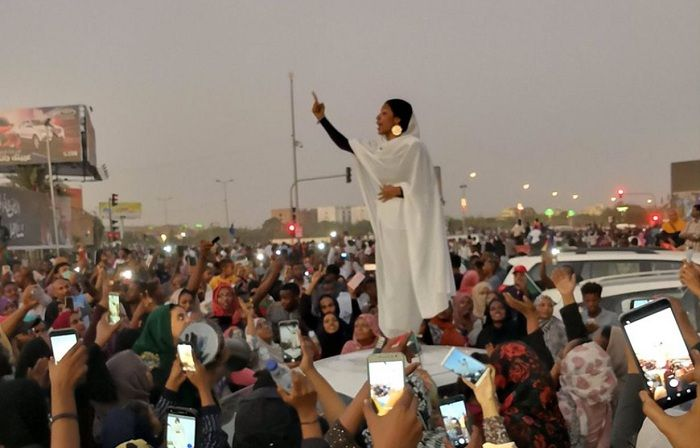 'If the revolt responds to foreign interests no change will happen, only reshuffle of players' - Political analyst explains the Sudanese revolution