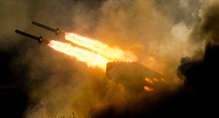 """مناورات الجيش الجزائري: """"لفحة الشمس"""" تقضي على نقطة ارتكاز العدو (فيديو) - الفيديو"""