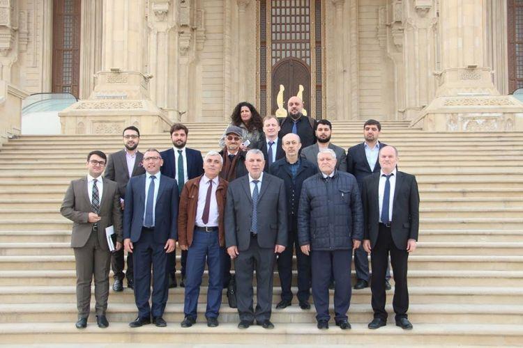 """أرييه غوت: """"شاهد الصحفيون الإسرائيليون بربرية وقساوة المحتلين الأرمن"""" - صور"""