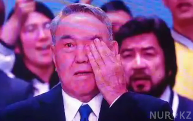 Emotional moments of Nazarbayev in the congress - VIDEO